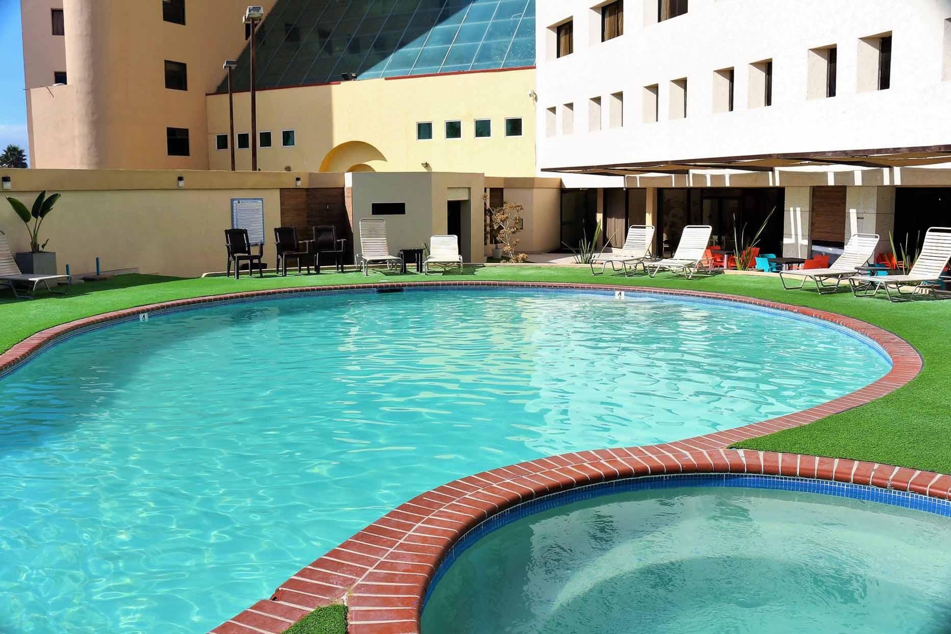 Hotel Corona en Rosarito alberca