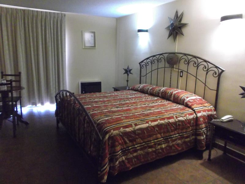 Hotel Pueblito Inn cama